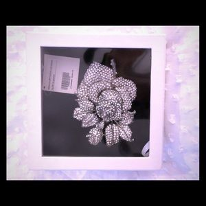 Accessories - Pronovias authentic wedding dress brooch NWT